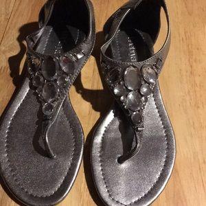 Bling bling thongs with slight heel